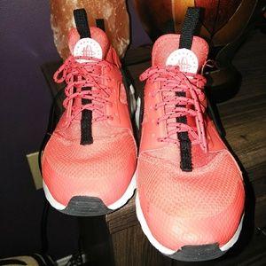 Air Hueraches by Nike